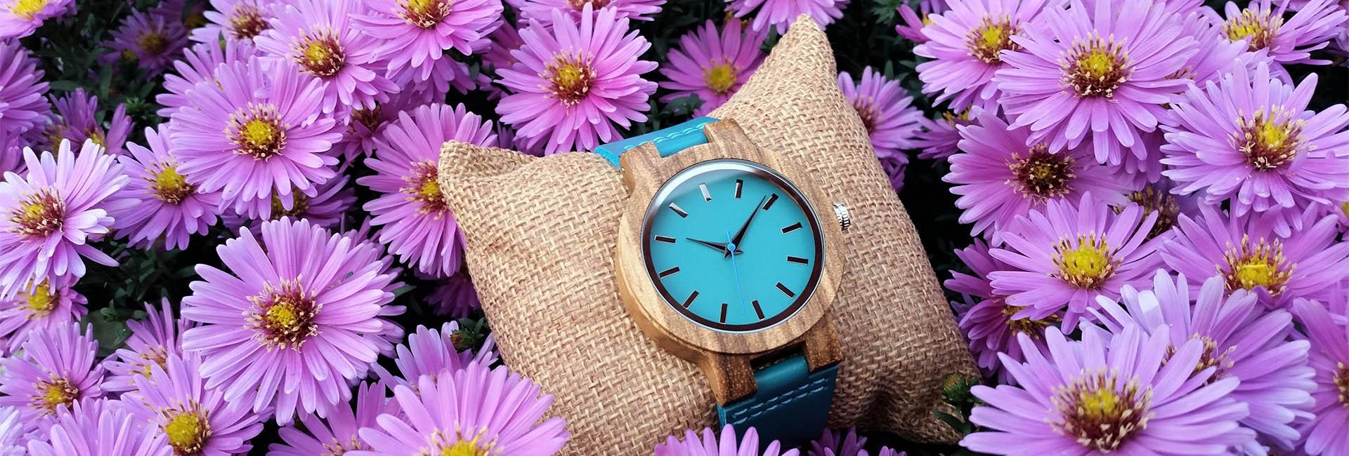 kategoria-zeny-drevene-hodinky-vini
