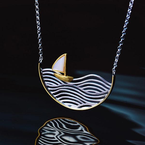 Strieborný náhrdelník Plavba